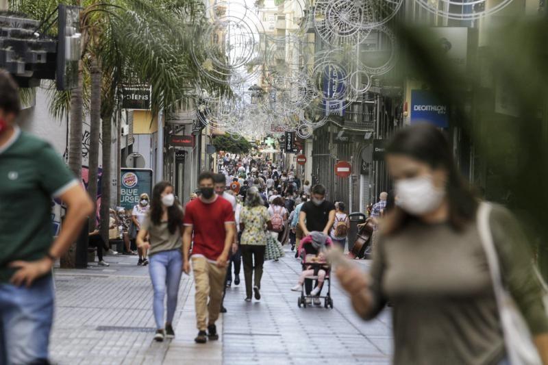 El Black Friday inunda los escaparates de las calles comerciales