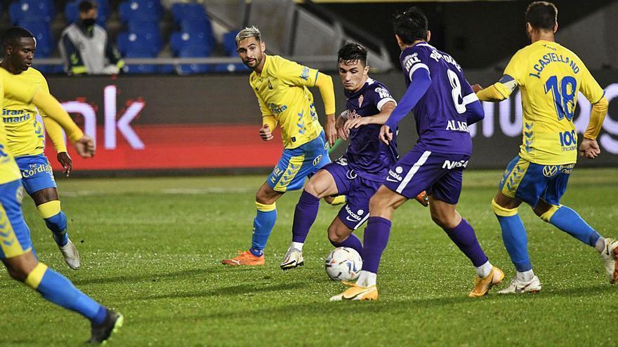 Al Sporting le pesa el calendario: sin rotaciones y con remontada