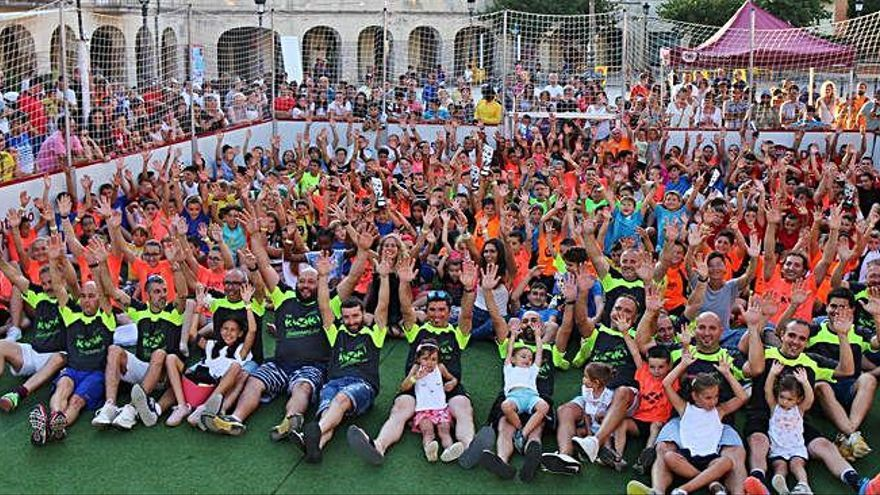 La plaça calafina Barcelona 92 s'omple de futbol amb el 3x3 en record de Borràs