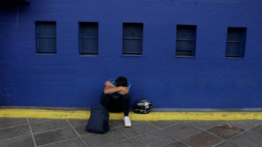 Seguidores de Maradona en Buenos Aires lloran su muerte