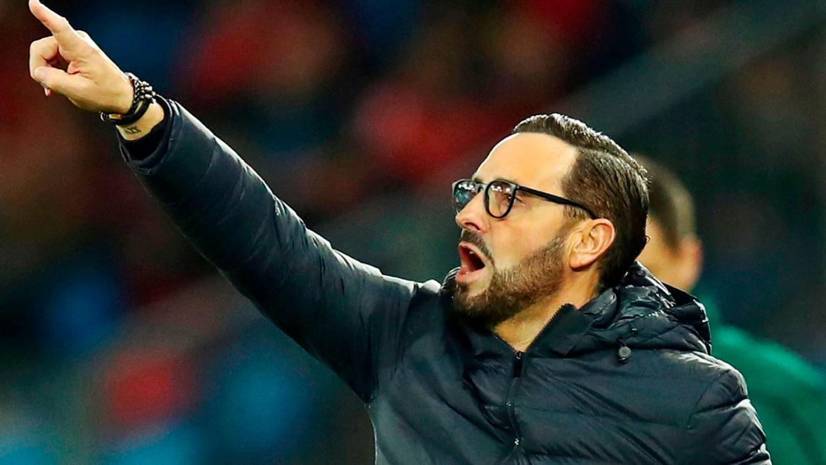 José Bordalás imparte instrucciones en un partido del Getafe, club del que hoy anunciará su marcha tras cinco temporadas. | REUTERS