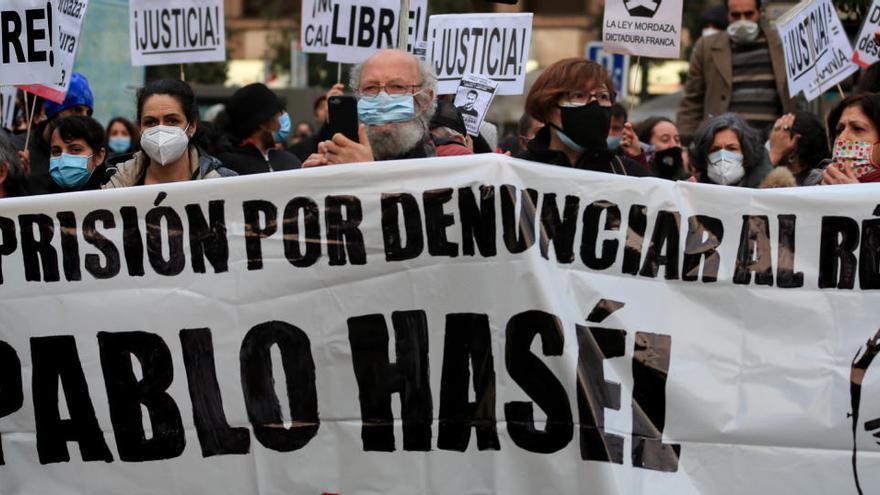 Más de 200 artistas firman un manifiesto contra la condena de cárcel a Pablo Hasél