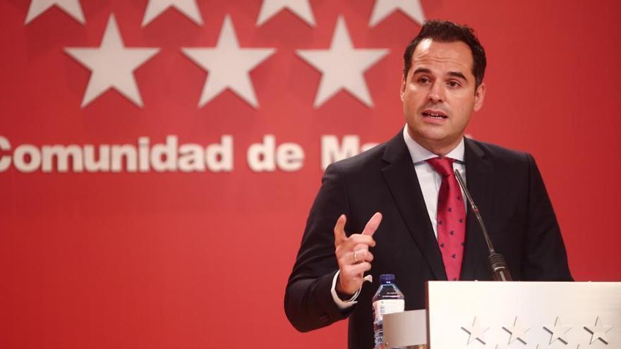Madrid suspende dos semanas la vacunación de primeras dosis