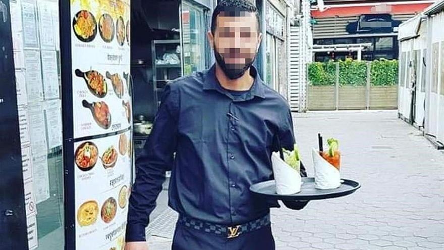 Los manuales para matar del camarero yihadista de Barcelona