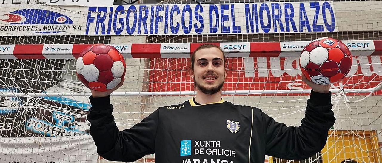 Martí Villoria, ayer en su primer entrenamiento en el pabellón de O Gatañal. |  // SANTOS ÁLVAREZ
