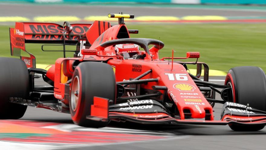 Leclerc, 'pole' en México tras la sanción a Verstappen