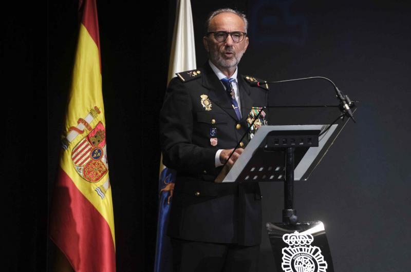 Acto de la Policía Nacional en el Teatro Guimerá