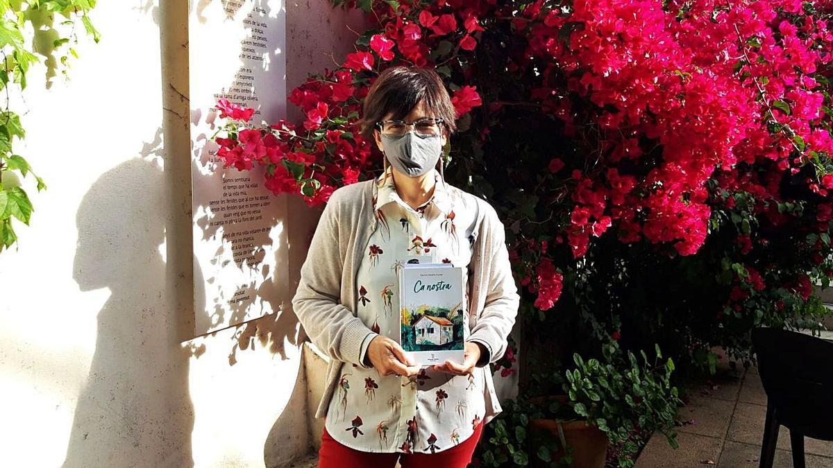 La autora de 'Ca Nostra', Carme Moreno, ayer en Can Alcover.   CATERINA VENY