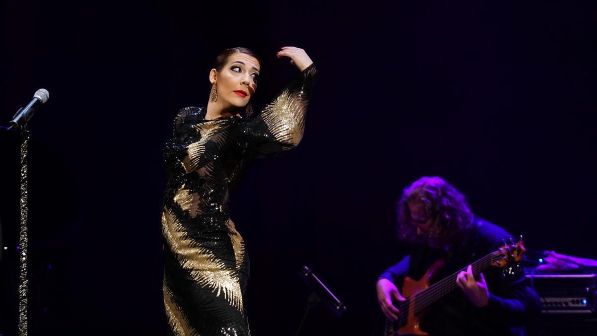 La Trini, durante su espectáculo 'Confesiones de una diva'.