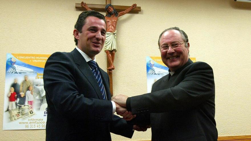 «El contrato de la visita del Papa se adjudicó y a posteriori se montó el expediente»