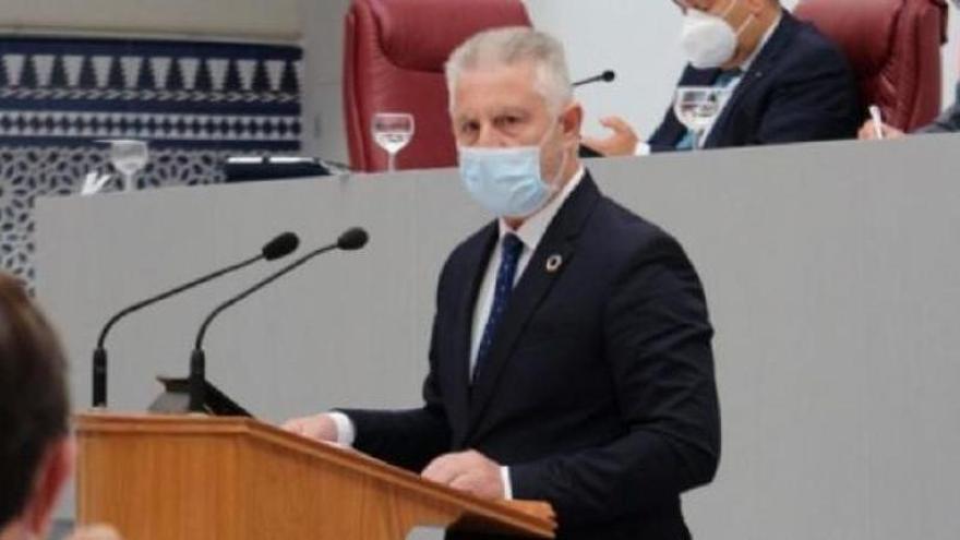El PSOE pide a Pedreño que desautorice a Campuzano por no querer vacunarse