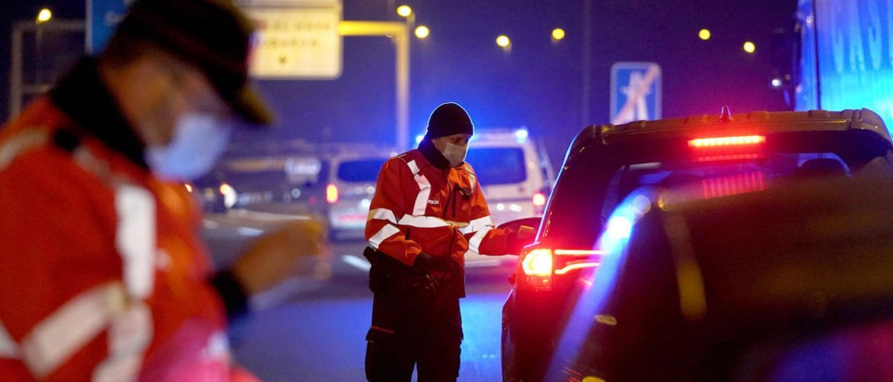 Ruta por la España perimetrada(4): La noche es de los esenciales.
