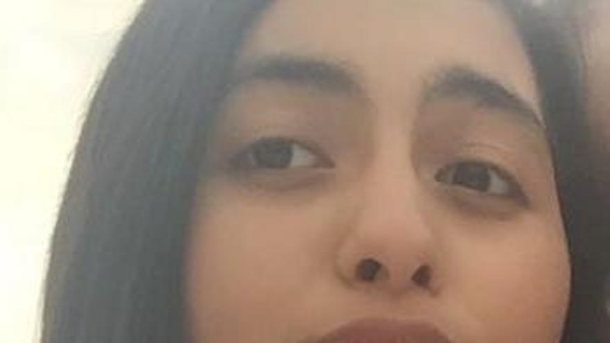 La menor desaparecida en Oviedo se presenta en la Comisaría con el joven con el que se fugó
