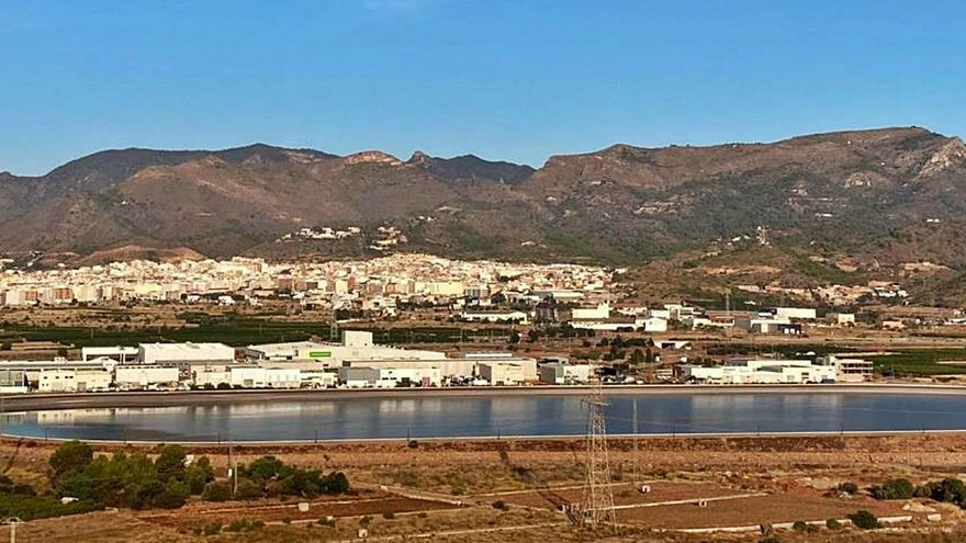 La Vall d'Uixó garantizará el uso del 100% del agua depurada con una balsa de riego