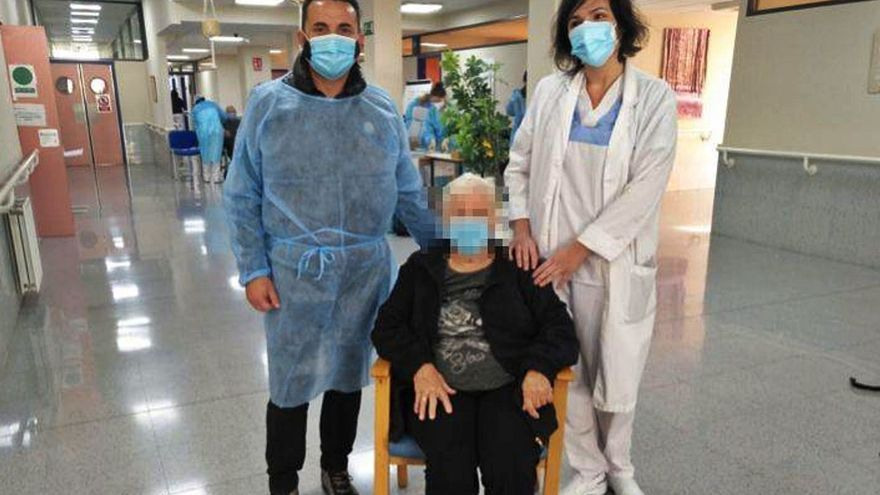 Bernabé Cano acudió a la residencia donde se vacunó sabiendo que iban a sobrar dosis