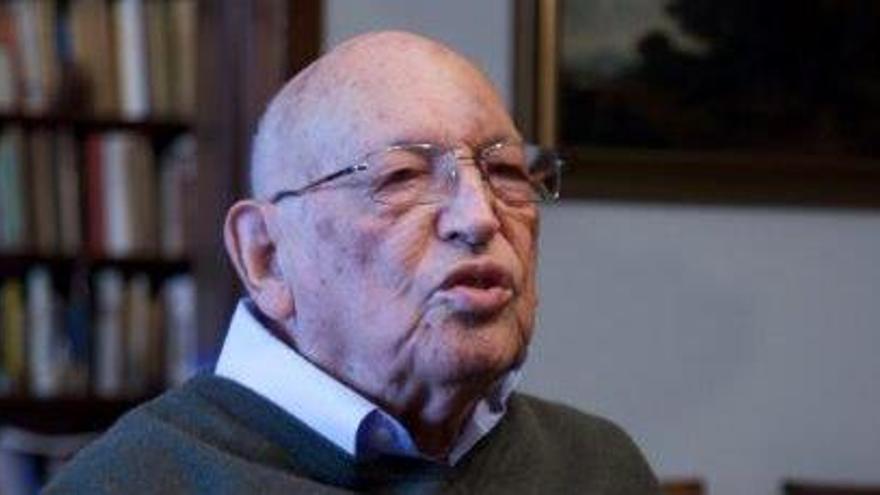 Muere el filólogo clásico y académico de la RAE Rodríguez Adrados