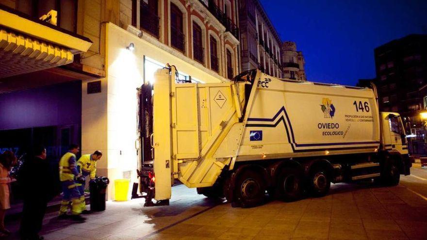 El camión de la basura volverá a trabajar los domingos a partir de mañana