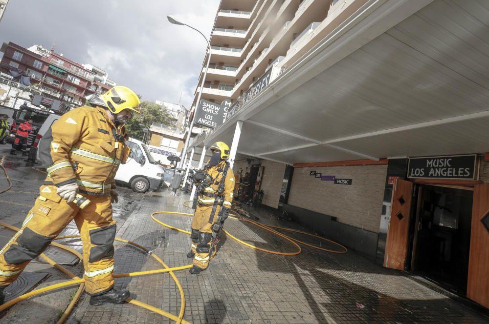 Unos ladrones incendian un local nocturno junto al Paseo Marítimo de Palma