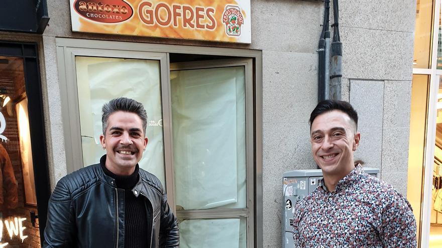 Jhon Álvarez (izq.) y Roberto López abrirán la nueva gofrería en Príncipe