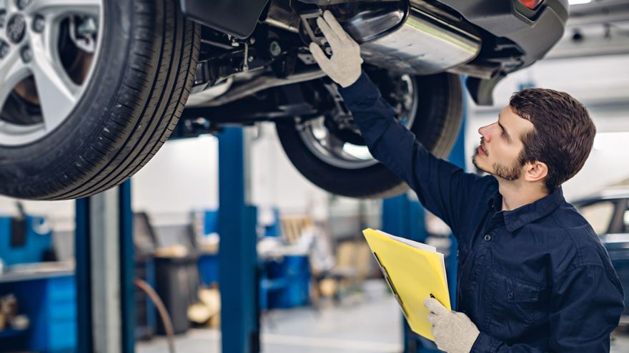 Tres cursos gratuitos para mecánicos de automoción en Alicante