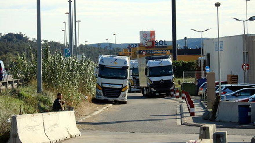Trànsit aixeca les restriccions de pas de camions per l'N-II entre Fornells i la Jonquera