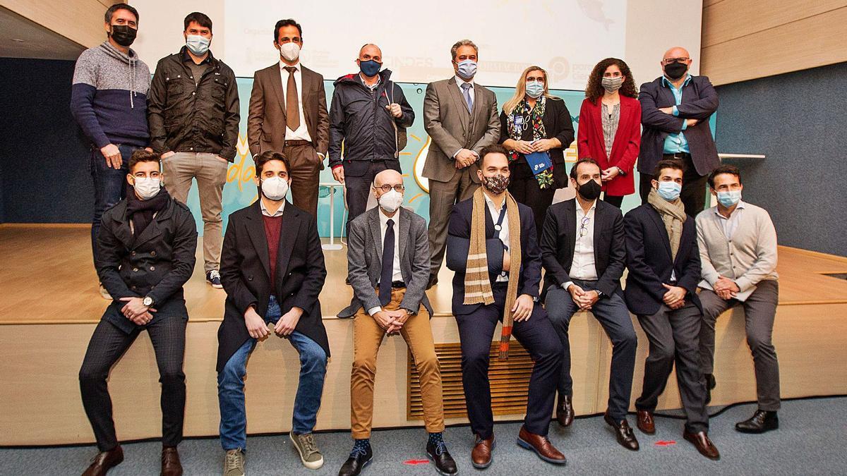 Organizadores, ponentes y responsables de las startups que participaron en el Day Distrito Digital CINDES 2020  en el Club INFORMACIÓN.