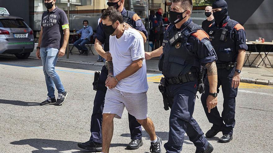 Una càmera de seguretat va delatar els tres mossos «narcos» de Santa Coloma de Farners
