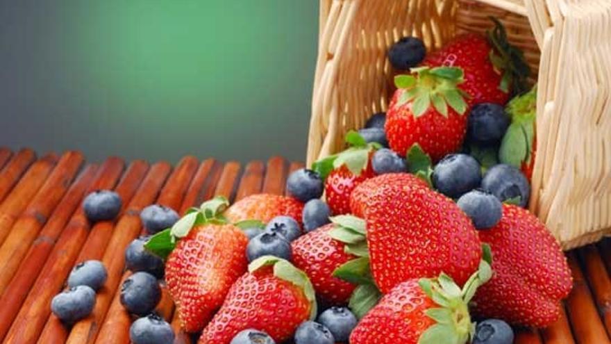 Lidl vendió el  año pasado 139 toneladas de arándanos y de fresas de Canarias