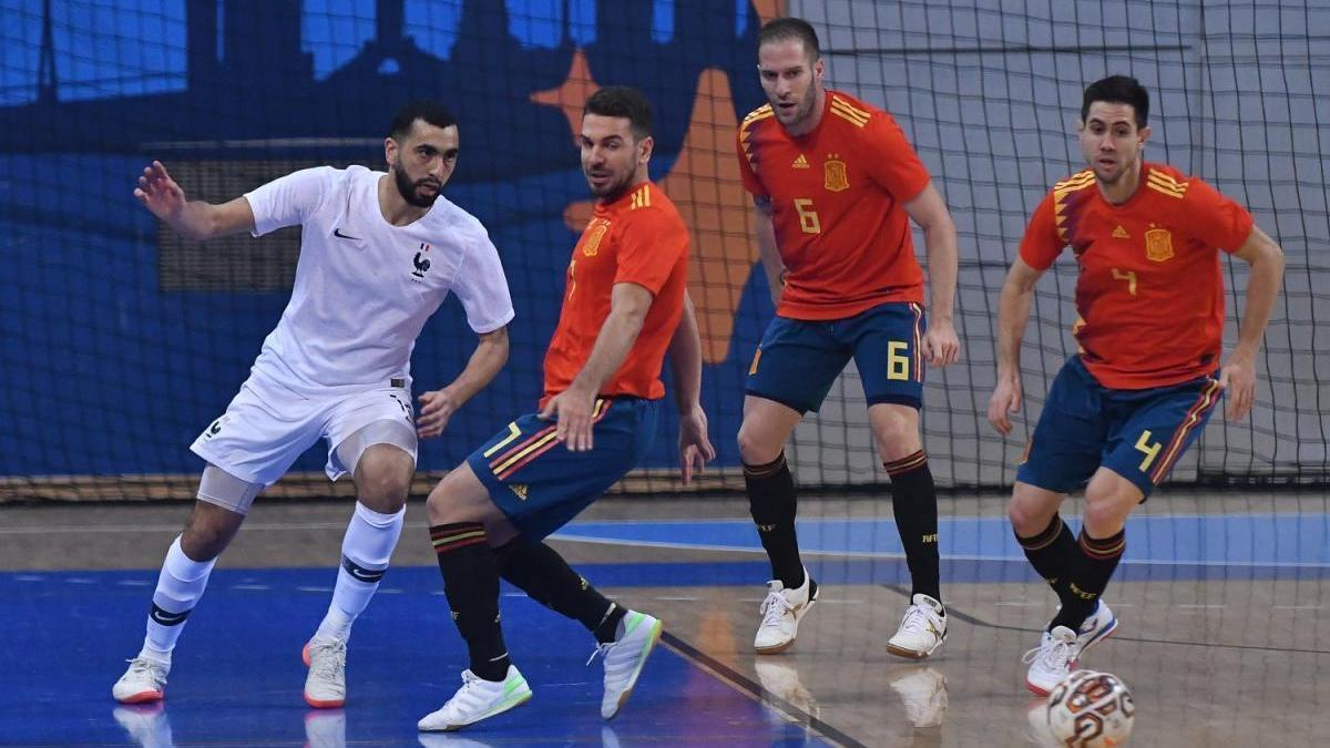 Solano conduce a España al triunfo ante Francia