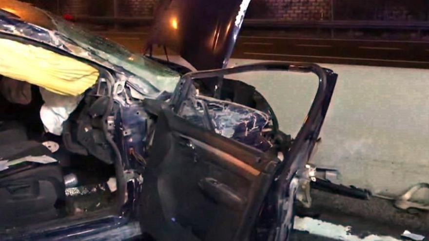 Así quedó el coche tras el accidente.