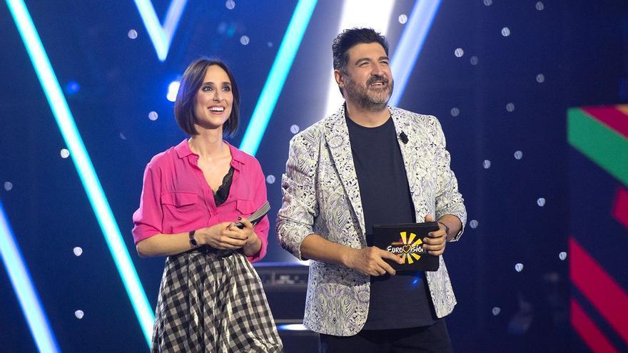 TVE vuelve a confiar en Tony Aguilera y Julia Varela para comentar Eurovisión 2021 desde Róterdam