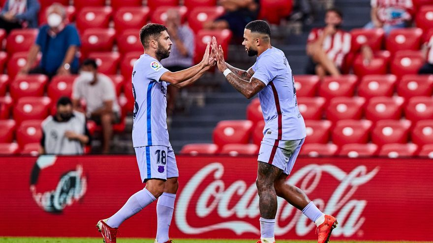 De Jong i Memphis aixequen el Barça (1-1)