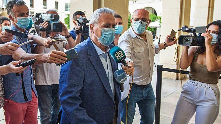 La sala permite a Ortiz volver a declararse inocente de los amaños del Plan General