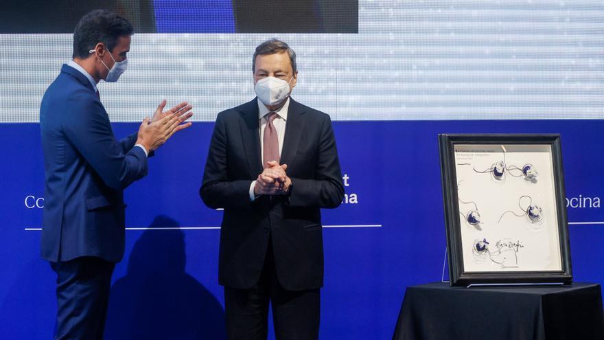 Draghi recibe el premio del Cercle a la Construcción Europea