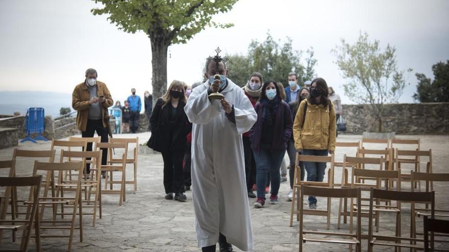 Queralt s'omple per celebrar Sant Marc i homenatjar mossèn Barniol