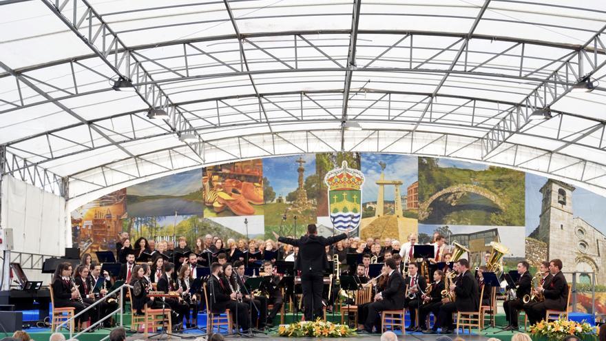 Vila de Cruces recupera a Festa do Galo de Curral