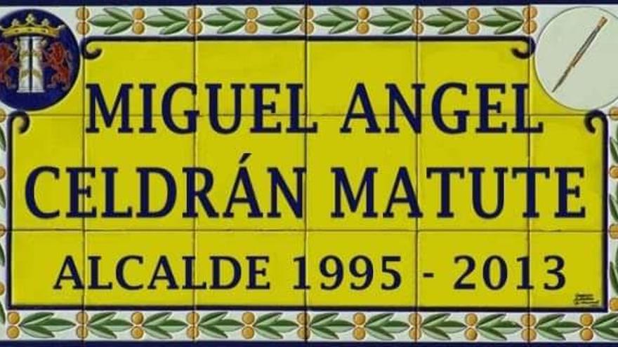 Recogen firmas para que la avenida de Villanueva se llame Miguel Celdrán