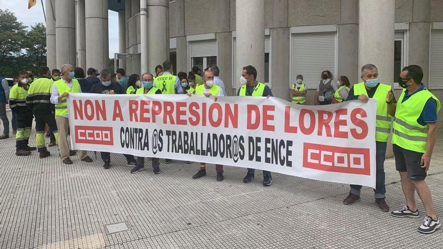 CC OO afirma que existe alternativa para la permanencia de Ence en Lourizán: su adscripción al puerto de Marín