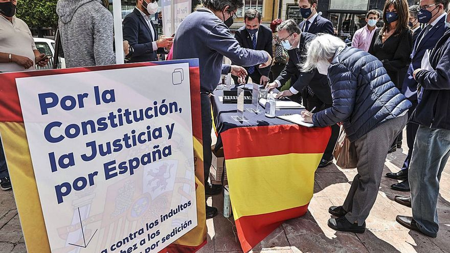 El PP recoge firmas contra el indulto a los líderes independentistas