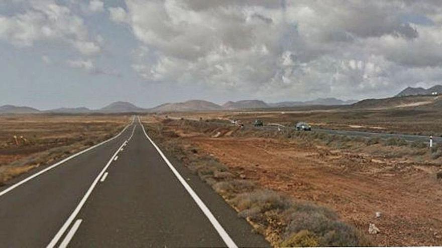 La carretera Yaiza-Playa Blanca tendrá nuevo asfaltado y más señales