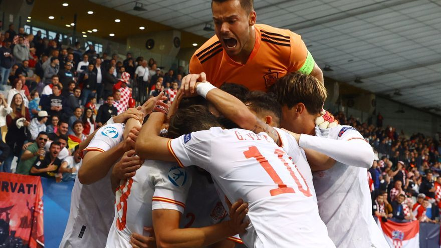 Un doblete de Puado ante Croacia mete a España en semifinales
