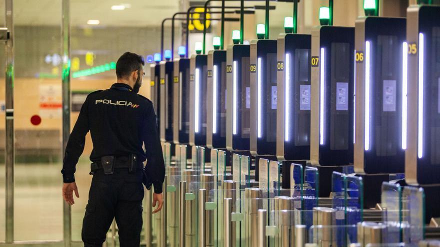 El Consell de Ibiza, contra la prohibición total de viajar en Semana Santa
