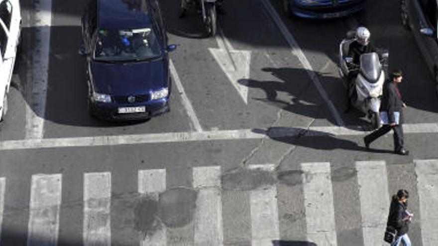 Una mujer denuncia en el juzgado la huida de un conductor después de atropellarla