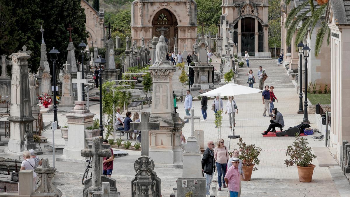 El acceso al cementerio estará restringido el viernes, sábado y domingo.