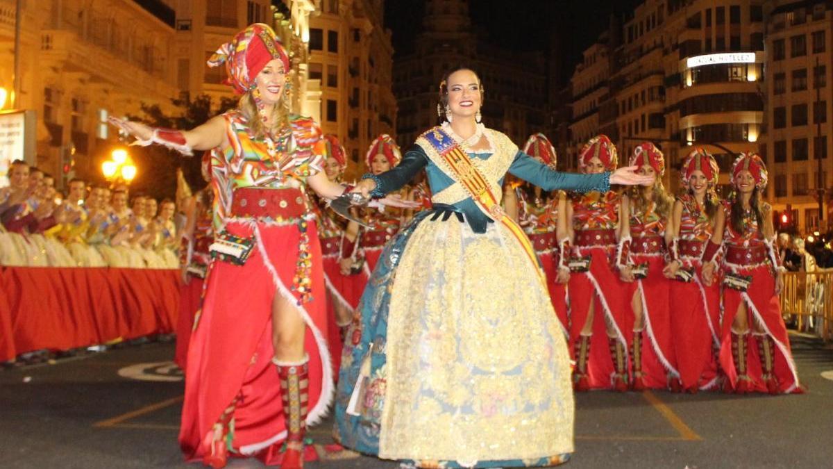 Invitan a cuatro de las grandes fiestas a abrir el desfile de Moros y Cristianos del 9 d'Octubre