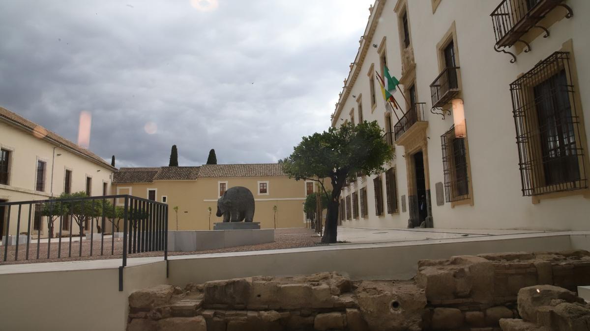 Estado actual del patio de carruajes del Palacio Episcopal.