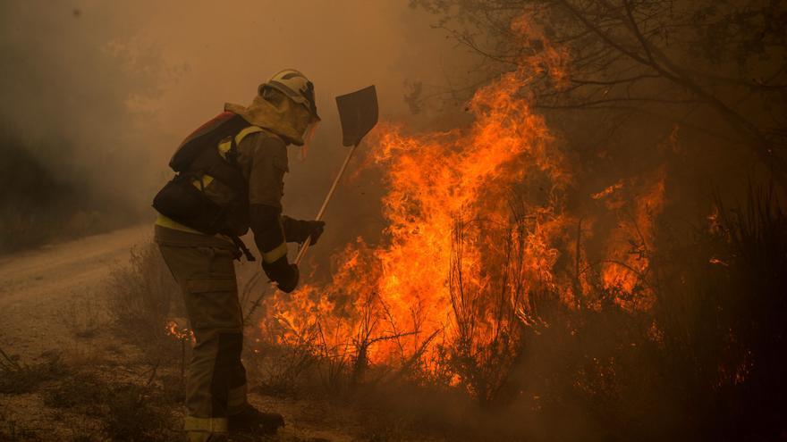 Extinguido el incendio en Lobios que afectó al Xurés