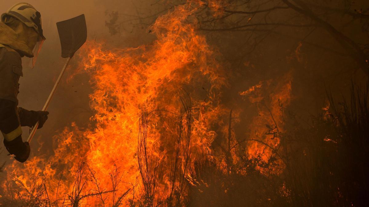 Imagen de archivo de un incendio en Galicia.