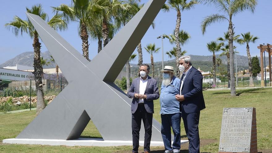 Torremolinos reubica el monumento del hermanamiento con Stockport en el Pinillo