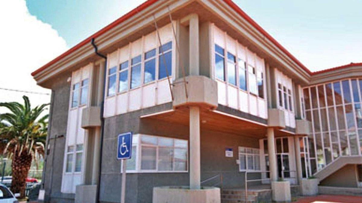 El consultorio de Mera, en la planta baja de la Casa do Mar.